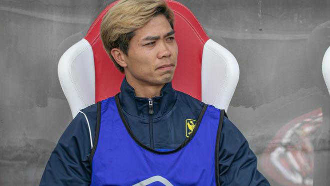 Trong khi đó việc dự bị dài hạn ở Bỉ khiến Công Phượng chỉ là cái bóng của chính mình dù được thầy Park gọi và trao cơ hội suốt 4 trận đấu qua