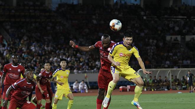 Tâm điểm của V-League 2020 có lẽ sẽ là cuộc đối đầu Hà Nội - TP.HCM. Ảnh: VPF
