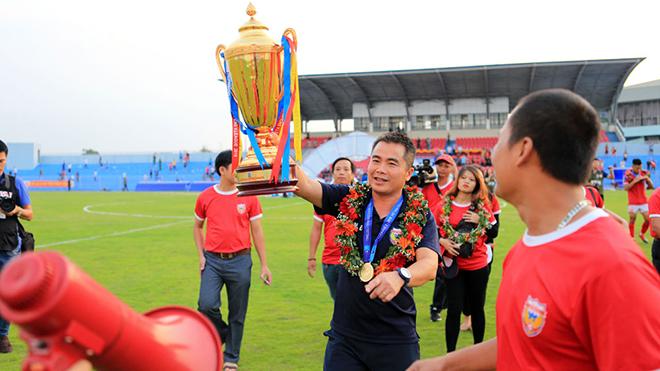 """V-League 2020 trông chờ những phát biểu ấn tượng của HLV Phạm Minh Đức - người được gọi vui là """"Mourinho Việt Nam"""". Ảnh: VPF"""