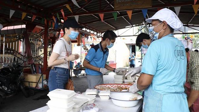Bóng đá Thái Lan dù rất khó khăn nhưng luôn hướng tới cộng đồng