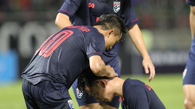 Bóng đá Thái Lan sẽ chứng kiến nhiều cú sốc trong tương lai hay sẽ trở lại mạnh mẽ hơn trước đây?