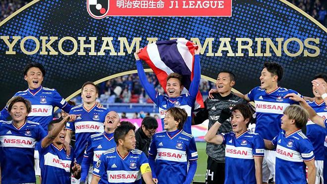 Bunmathan khiến người Thái Lan rất tự hào vì làm nên lịch sử cho người Thái ở sân chơi J League. Ảnh: Yokoham F Marinos