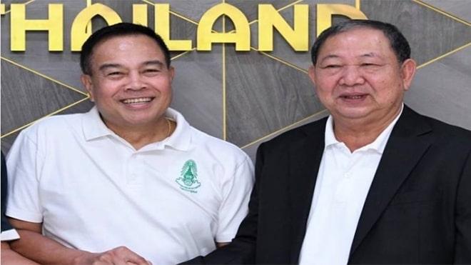 Bóng đá Thái Lan lại cầu cứu