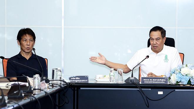 Chủ tịch FAT Somyot khẳng định lợi ích của các CLB sẽ bị ảnh hưởng lớn khi True Visions chắc chắc không thể trả đủ gần 900 tỷ đồng tiền bản quyền truyền hình cho Thai League năm nay