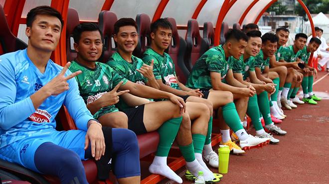 bóng đá Việt Nam, tin tức bóng đá, bong da, tin bong da, Bùi Tiến Dũng, thủ môn Bùi Tiến Dũng, CLB TPHCM, TPHCM vs Hà Tĩnh, lịch thi đấu vòng 2 V-League 2021