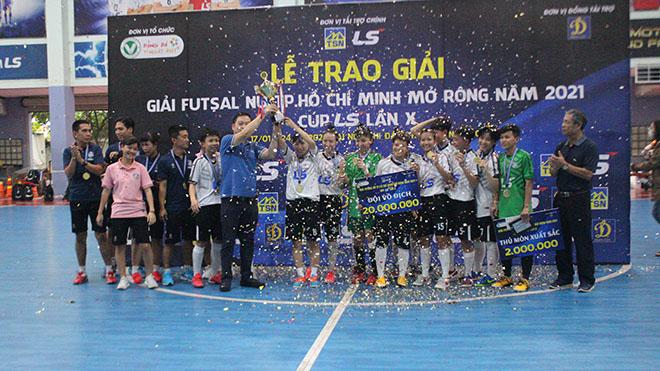 Các cô gái Thái Sơn Nam Quận 8 vô địch giải năm nay. Ảnh: LV