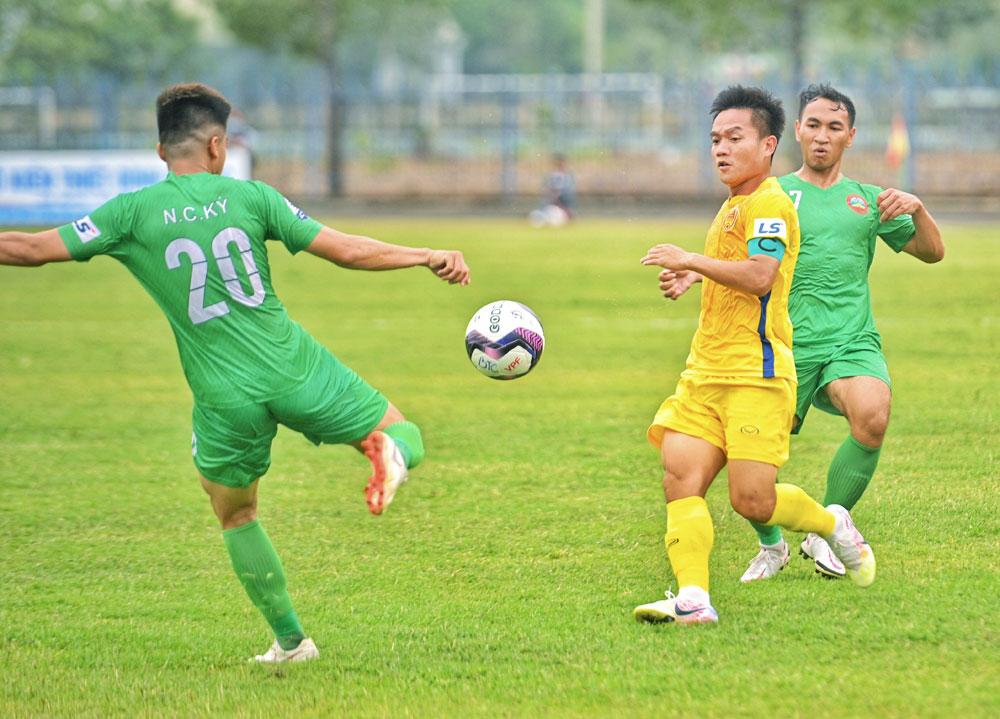 bóng đá hôm nay, PVF, SLNA, Hà Nội FC, Quảng Nam, Nguyễn Thành Công, Dương Hồng Sơn, Hoàng Văn Phúc, bầu Hiển, bảng xếp hạng V-League 2021
