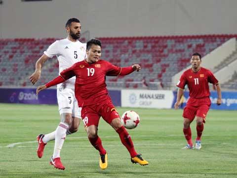 Quang Hải có thể sẽ được nghỉ ngơi trong các đợt tập trung để dồn sức cho CLB. Ảnh: Hoàng Linh