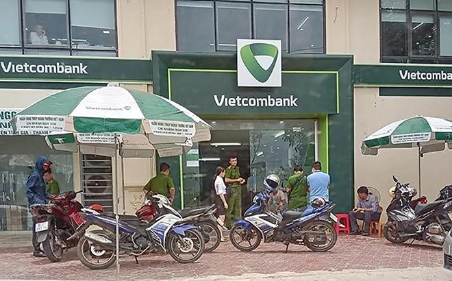 Một đối tượng bịt mặt, nổ súng cướp ngân hàng tại Thanh Hóa