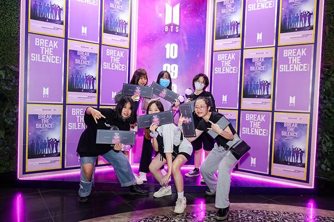 BTS, Break The Silence The Movie, fan BTS, Army, RM, Jin, Suga, J-Hope, Jimin, V BTS, Jungkook, MV Dynamite