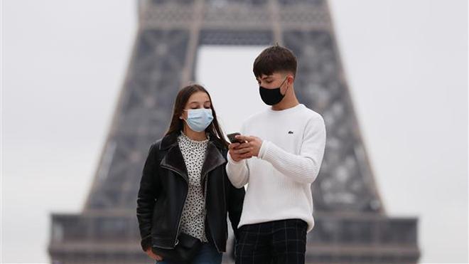 Dịch COVID-19: Dịch bệnh tiếp tục diễn biến phức tạp tại Nga, Pháp và Philippines