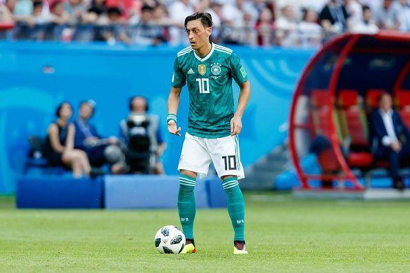 Oezil từ giã tuyển Đức, Oezil bị phân biệt chủng tộc, Oezil là người nhập cư, đội tuyển Đức, World Cup 2018, tâm thư Oezil