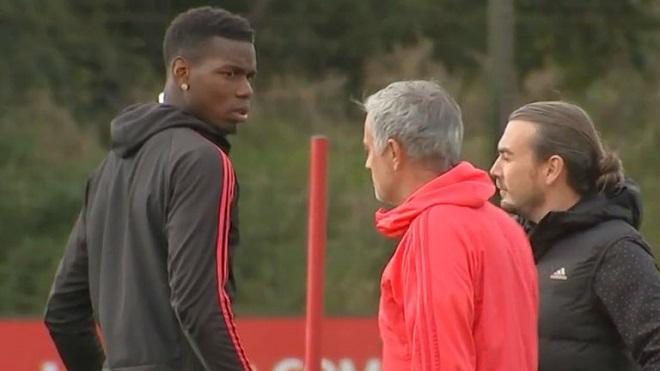 Mourinho và Pogba căng thẳng trên sân tập: Tiết lộ cuộc nói chuyện khiến nội bộ M.U dậy sóng