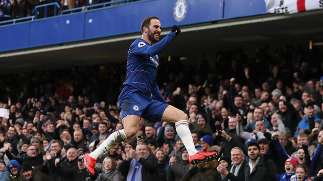 ĐIỂM NHẤN Chelsea 5-0 Huddersfield: Higuain hồi sinh, Chelsea tạm yên trước bão