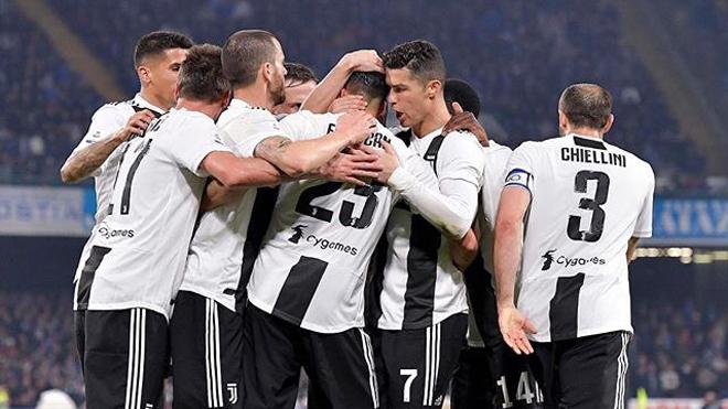 VIDEO bàn thắng Napoli 1-2 Juventus: Kịch tính cuộc chiến ở San Paolo