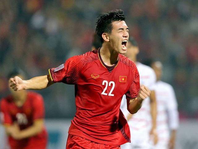 Xem pha ghi bàn với cú đá cực khó của Tiến Linh trước U22 Trung Quốc