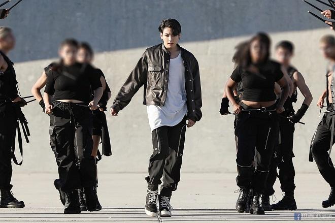 BTS, tung ảnh hậu trường MV ON, nóng bỏng mắt ARMY, BTS ON, ON BTS, BTS 2020