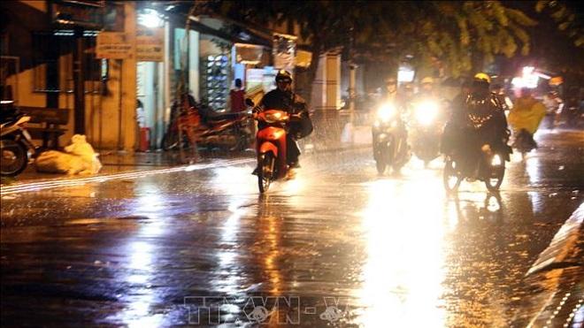 Không khí lạnh tràn về, các tỉnh phía Bắc đêm nay mưa to