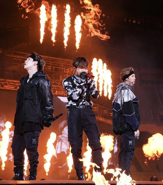 Suga, BTS, BTS tiết lộ bài hát viết về tan rã, Outro: Tear, Love Yourself: Tear, tập 6 của Break The Silence
