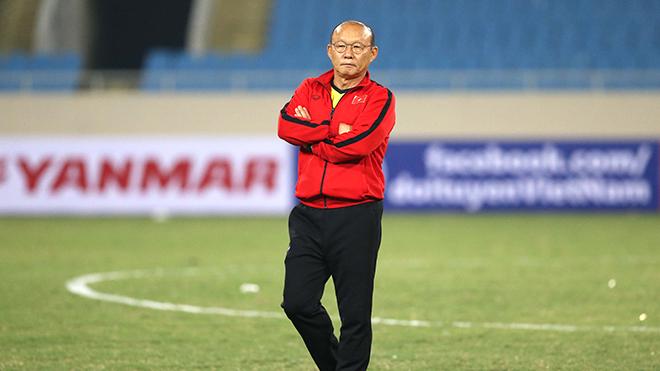 Bóng đá Việt Nam hôm nay: U22 Việt Nam hội quân. Trọng tài thay nhầm đội trưởng SLNA