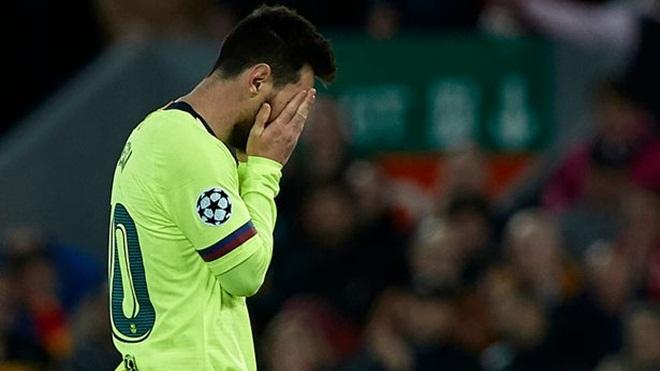 Bị CĐV Barca chặn ở sân bay trút giận, Messi nói gì?