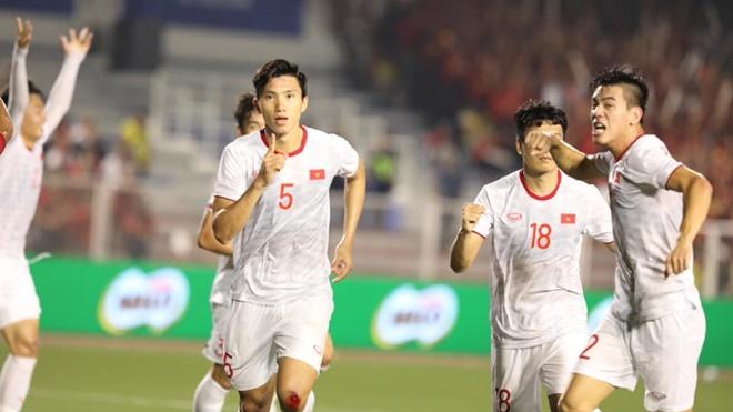 U22 Việt Nam vô địch SEA Games: Văn Hậu sáng bừng giữa thời khắc lịch sử