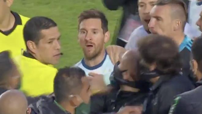 Bolivia vs Argentina, Vòng loại World Cup 2022, Messi gọi HLV Bolivia là gã hói, Messi, Bolivia 1-2 Argentina, Lionel Messi, Messi miệt thị HLV đối phương, tin bong da