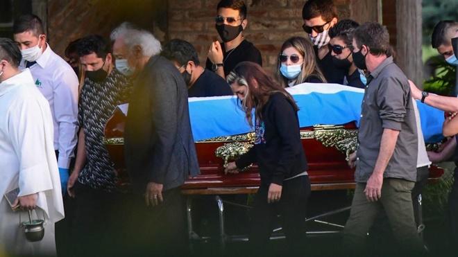Những dấu hỏi xung quanh cái chết của Maradona