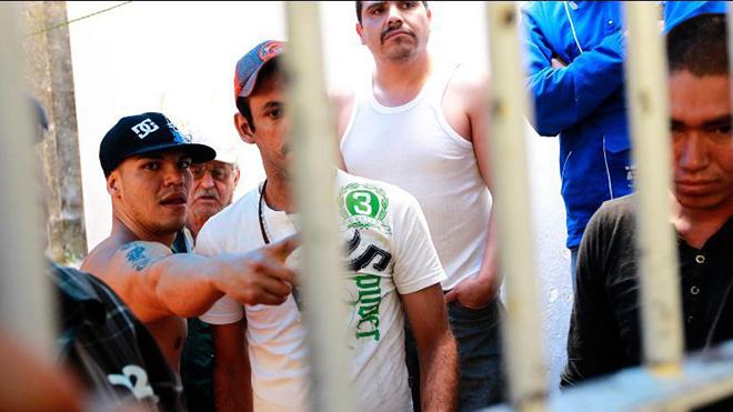 Bạo loạn nhà tù, hơn 30 người thương vong