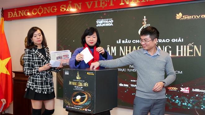 Trực tiếp lễ bầu chọn và trao giải âm nhạc Cống hiến lần thứ 16: Tùng Dương dành cú đúp