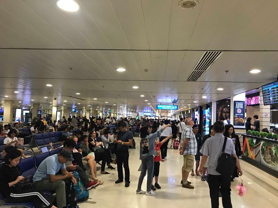 Sân bay Tân Sơn Nhất, Ùn tắc sân bay Tân Sơn Nhất, Thủ tục bay, Nghỉ lễ, đi lại ngày nghỉ, Hàng không Việt Nam, kế hoạch bay, thông tin chuyến bay, checkin sân bay