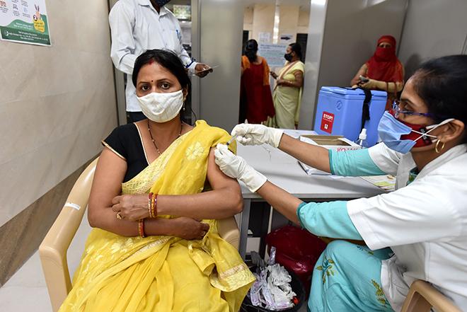 Tình hình dịch Covid-19, Covid-19 mới nhất, Dịch Covid-19 ở Ấn Độ, số ca tử vong ở ấn độ, số ca tử vong theo ngày cao nhất, Hệ thống y tế Ấn Độ, số ca lây nhiễm ở ấn độ
