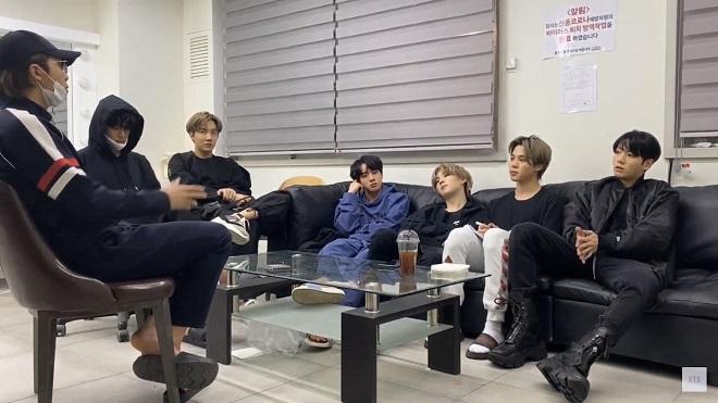 BTS, Jungkook, Jin, Jimin, Suga, RM, J-hope, thu nhập của BTS, bts đồ hiệu