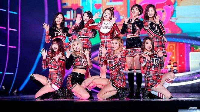 Ngây ngất trước những khoảnh khắc mang tính biểu tượng của Twice trên sân khấu