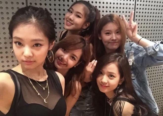 Jisoo, Jennie, Rosé, Lisa, Blackpink, Jisoo cry, Jisoo Gif, Jisoo Jennie, Blackpink thân thiết, Jisoo khóc, Jisoo video
