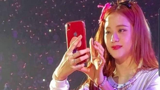 Jisoo Blackpink hồn nhiên 'lừa dối' Samsung trước hàng triệu fan