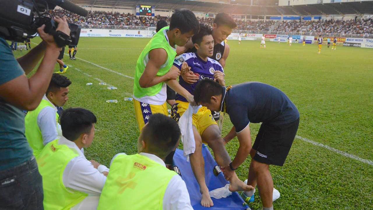 Hà Nội FC giấu kín thông tin về chấn thương của Trần Đình Trọng