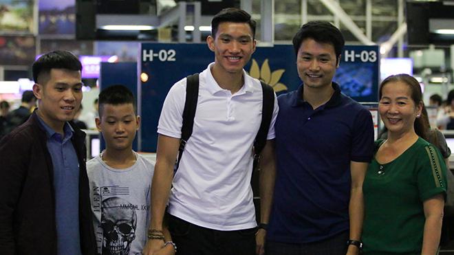 'Nếu quay về Hà Nội FC, Văn Hậu sẽ phải ngồi ngoài cả lượt đi'