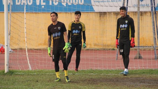 Được bắt chính ở FLC Thanh Hoá, thủ môn Bùi Tiến Dũng nói gì?