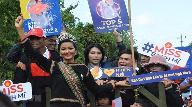 Hoa hậu H'Hen Niê 10 Gương mặt trẻ Việt Nam tiêu biểu năm 2018