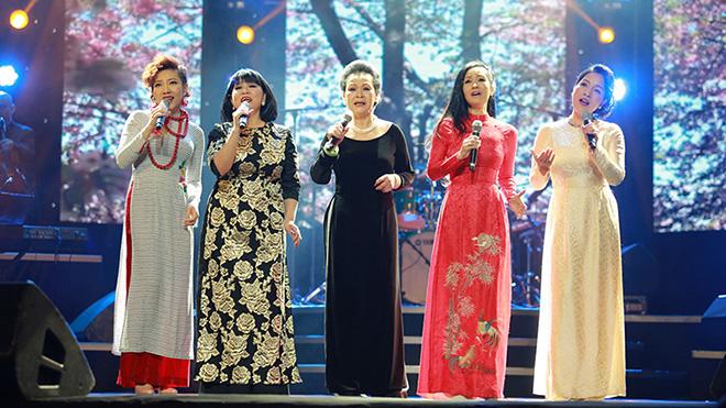 Mỹ Linh tiếc vì không biết đến bản hit 'Cảm ơn tình yêu' của Uyên Linh sớm hơn
