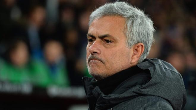 TIN HOT M.U 13/3: Mourinho cảnh cáo Real. PSG đổi ngang Neymar lấy De Gea