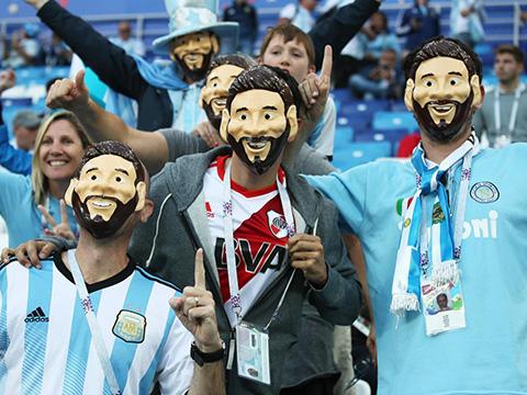 Ghi chép từ Moskva: Có rất nhiều Messi giả ở Moskva, nhưng Messi thật lại biến mất