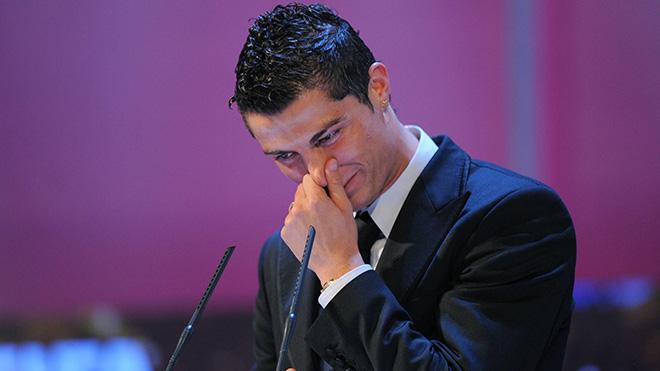 CẬP NHẬT sáng 6/10: Juve tổn thất nặng nề vì bê bối của Ronaldo. Neville ra sức bảo vệ Mourinho