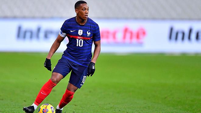 Tin bóng đá MU 17/11: MU nhận tin dữ từ Martial. Tân binh trẻ MU đi bóng như Messi