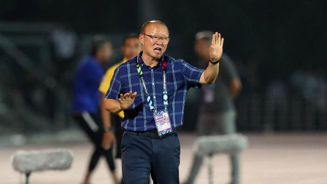 Bóng đá Việt Nam tối 12/6: VFF sớm ký hợp đồng mới với HLV Park Hang Seo