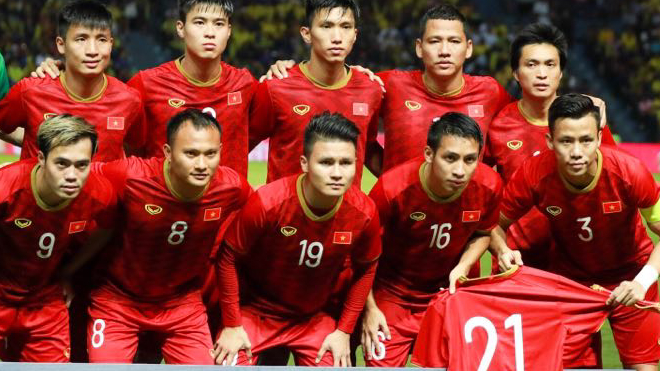 Đình Trọng xúc động cảm ơn đồng đội đánh bại Thái Lan
