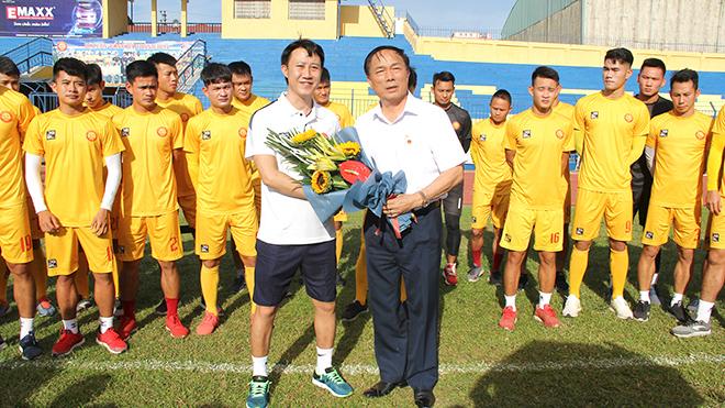 bóng đá Việt Nam, tin tức bóng đá, bong da, tin bong da, bầu Đệ, bầu Đệ chia tay Thanh Hóa, chuyển nhượng V League, lịch thi đấu V League, BXH V League
