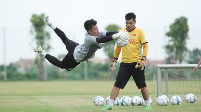 bóng đá Việt Nam, tin tức bóng đá, bong da, tin bong da, HAGL, bầu Đức, HLV Kiatisuk, chuyển nhượng V League, lịch thi đấu V League 2021, VFF, VPF, lịch thi đấu bóng đá