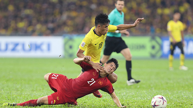Bóng đá Việt Nam hôm nay: Văn Quyết mong Đình Trọng sớm trở lại. Hà Nội đánh bại Viettel 3-0